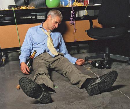 office_man_pass_out_drunk_17e2nbs-17e2nc7